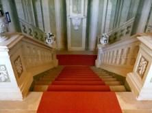 Stufen und roter Teppich Schloss Rammenau