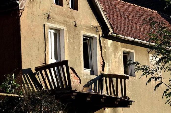 Verfallener Balkon