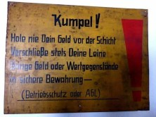 Hinweisschild Bergbaumuseum Oelsnitz