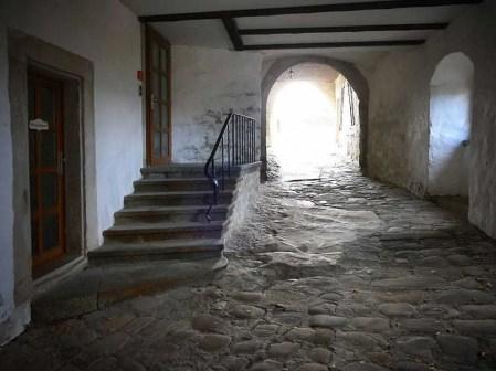 Tor Tunnel Burg Hohnstein