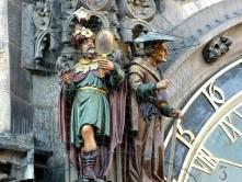 Figuren große Uhr