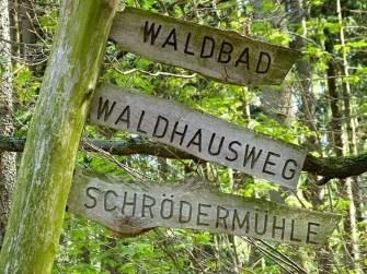 Schilder Waldbad Waldhausweg Mühle Holz