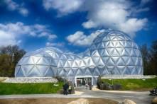 Futuristisches Gebäude Eingang Saurierpark Kleinwelka