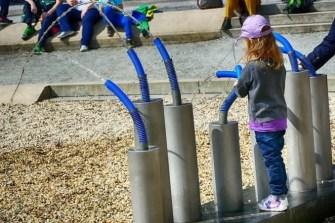 Spielen im Saurierpark