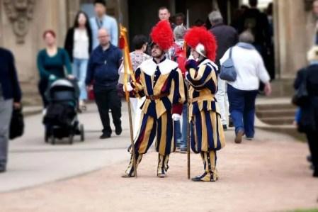 Schausteller Uniformen mit Lanze Dresdner Zwinger
