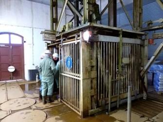 Einfahren in den Schacht Silberbergwerk Alte Zeche