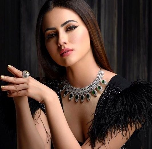 Sana Khan Height, Weight, Age, Boyfriend, Biography & Family
