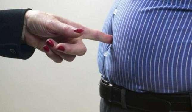 من يمكنه إجراء جلسات ليزر تخسيس و ازالة الدهون بالليزر؟