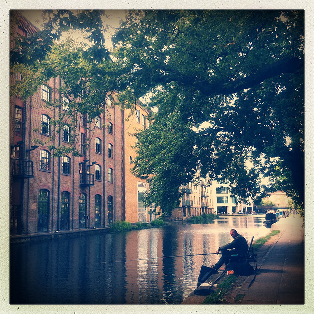 Exploring Regent's Canal by Bike - East London