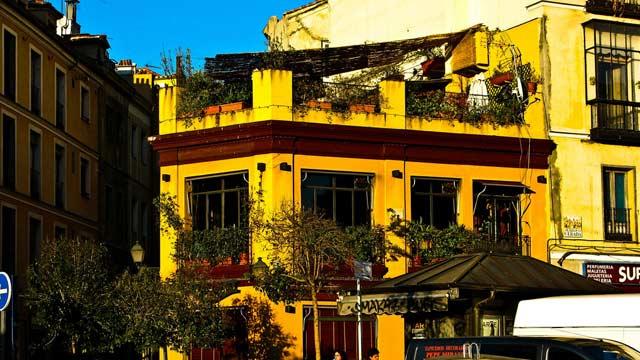 el viajero bar and rooftop terraza in la latina madrid