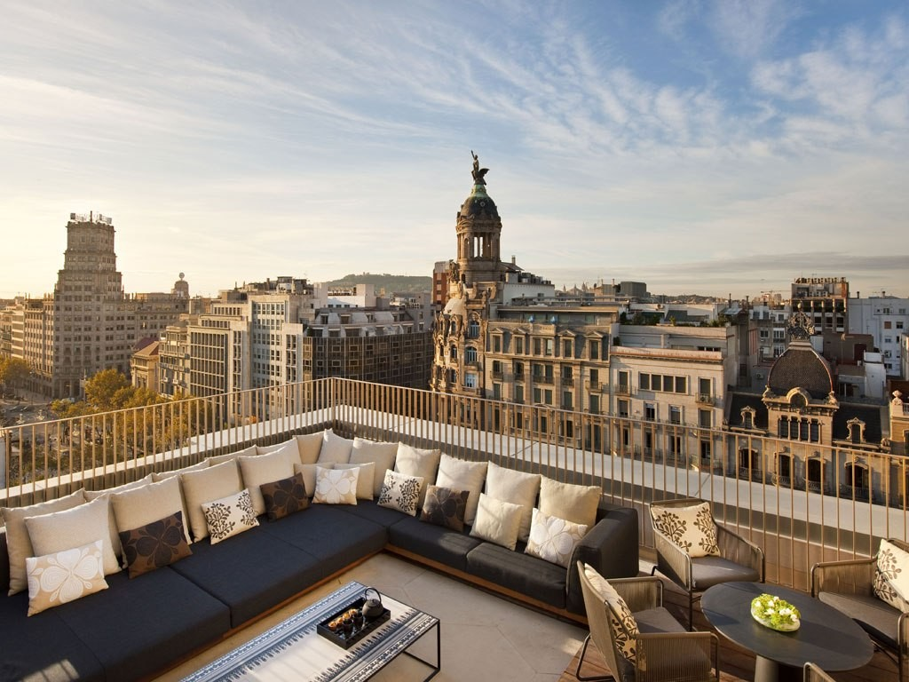 Mandarin Oriental Barcelona 5 star luxury hotel accomodation on famous street passeige de gracia in the centre of the city