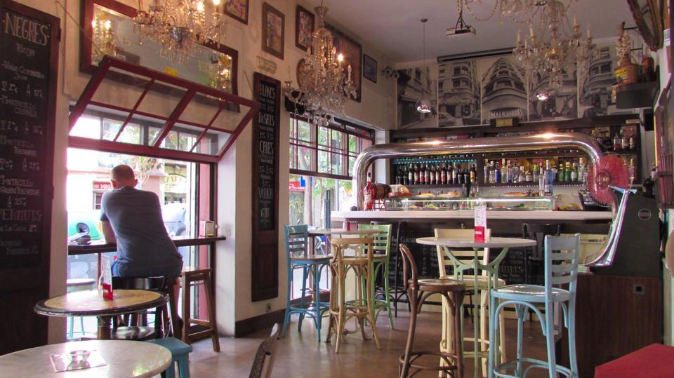 Colibri Bar Raval Calle de la Riera Alta, 33, 08001 Barcelona, Spain