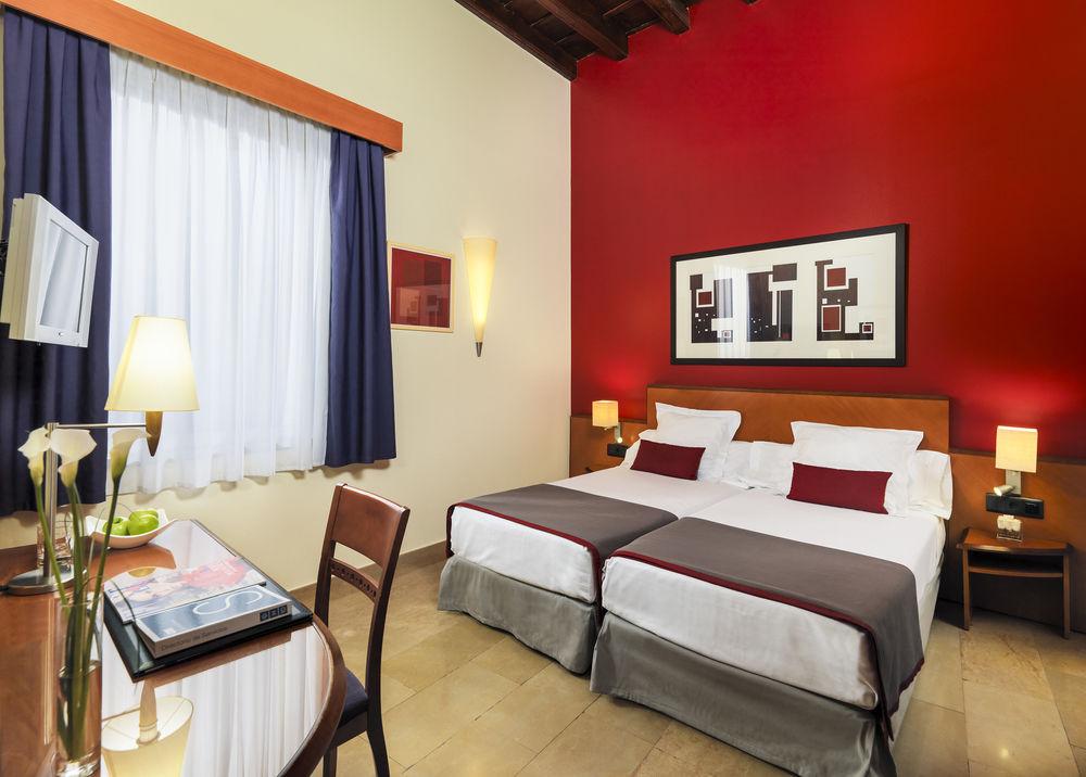 H10 Racó del Pi 3 Star Hotel Gotico Barcelona
