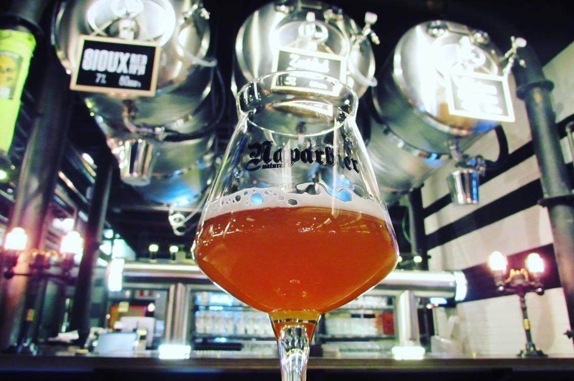 """Naparbier bar Barcelona Brewpub in """"Beerxample"""" craft beer neighbourhood"""