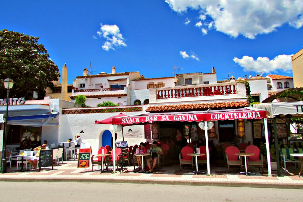 Tossa de Mar beachfront restaurants (Catalonia)