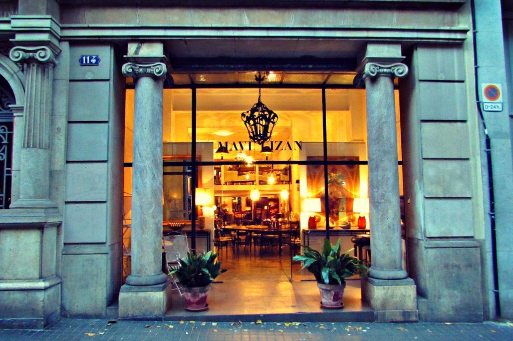 shops-on-carrer-enric-granados-esquerra-de-leixample-barcelona-eixample-left-side