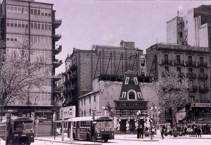 Old photo of El Molino theatre in Barcelona