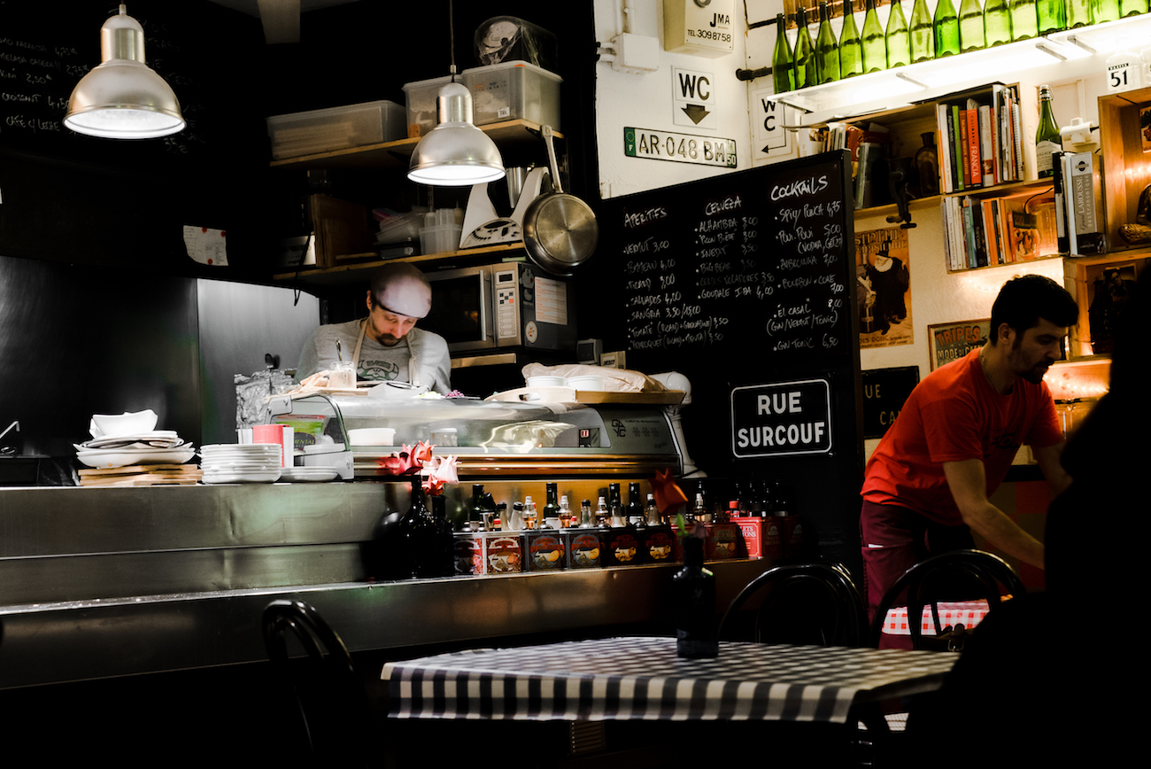 El Casal Café French Restaurant in Born, Barcelona - by Ben Holbrook of Driftwood Journals
