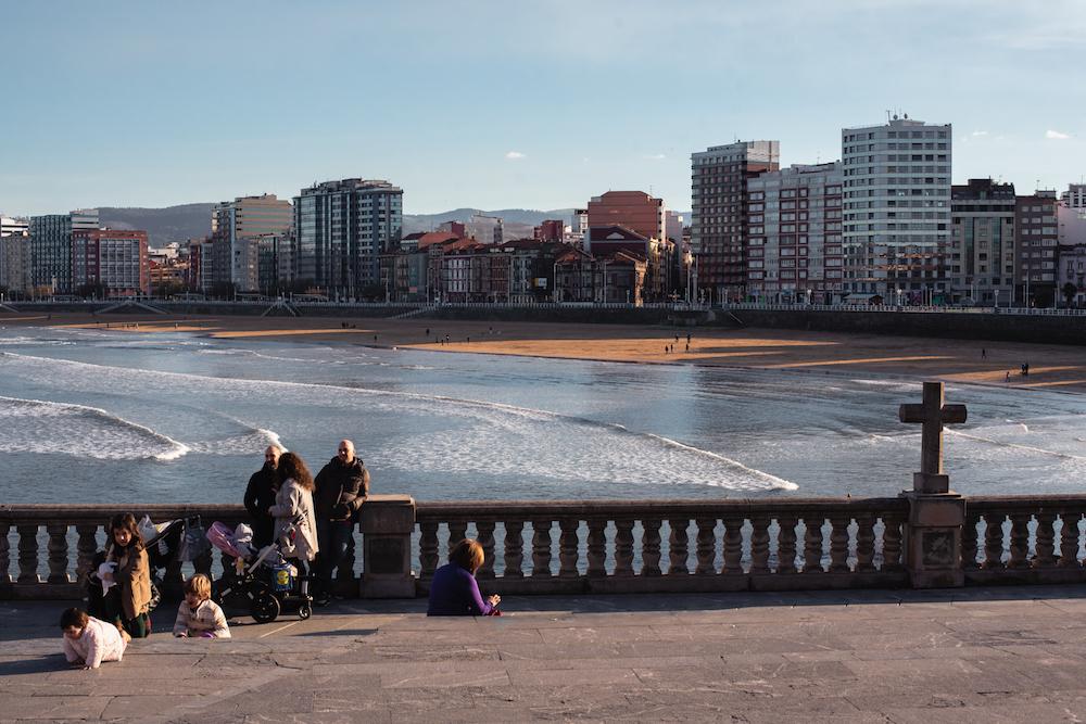Gijon's glorious Playa de San Lorenzo.