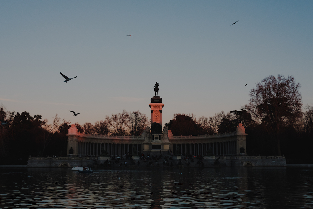 The Lake in El Retiro Park, Madrid Street Photography Essay - by Ben Holbrook DriftwoodJournals.com-9268