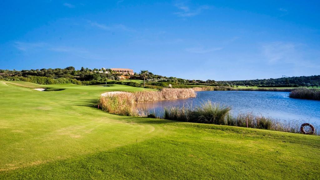 3. Amendoeira Golf Resort, Algarve Golf Resort