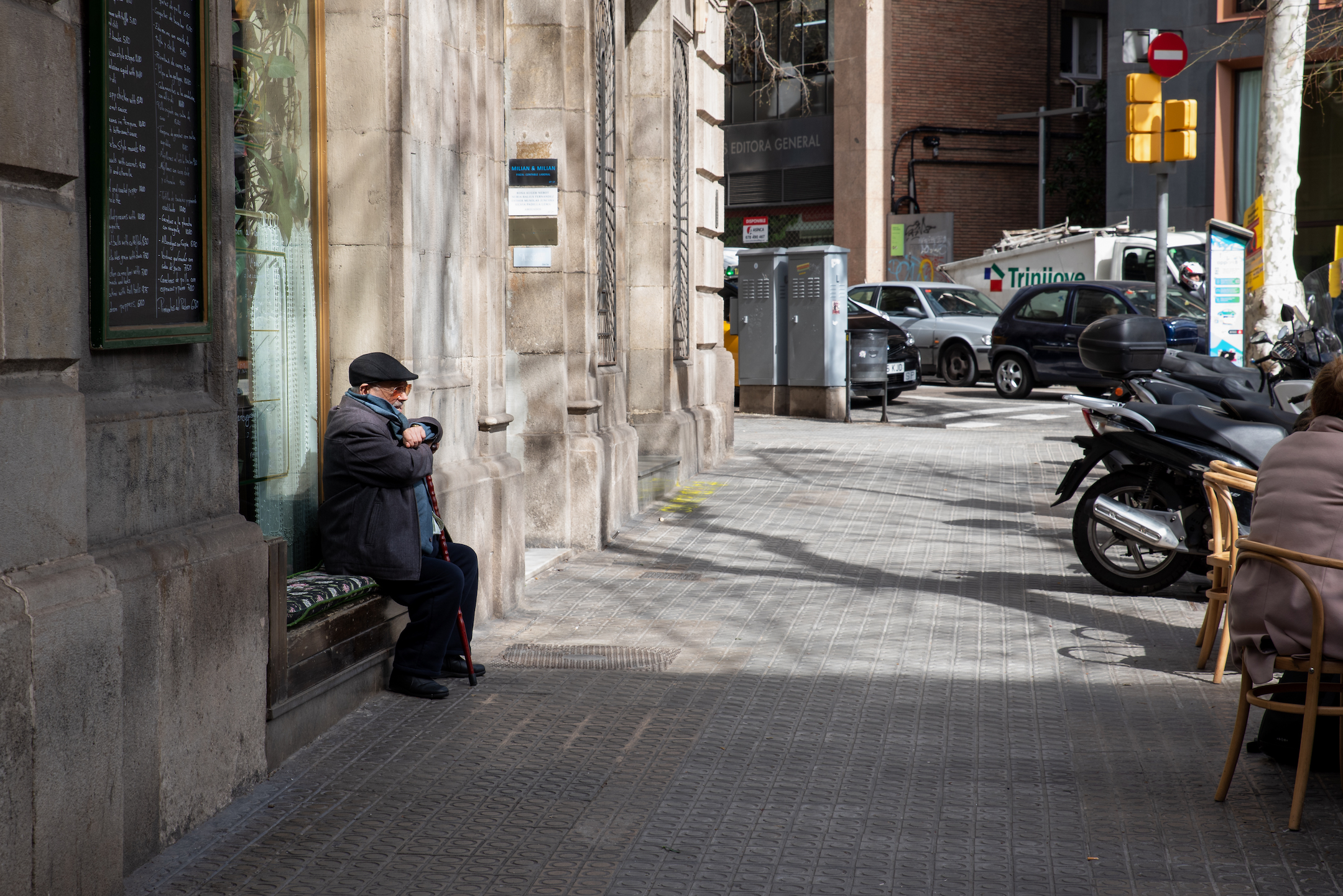 Barcelona- A Day, A Life by Ben Holbrook from Driftwood Journals-48