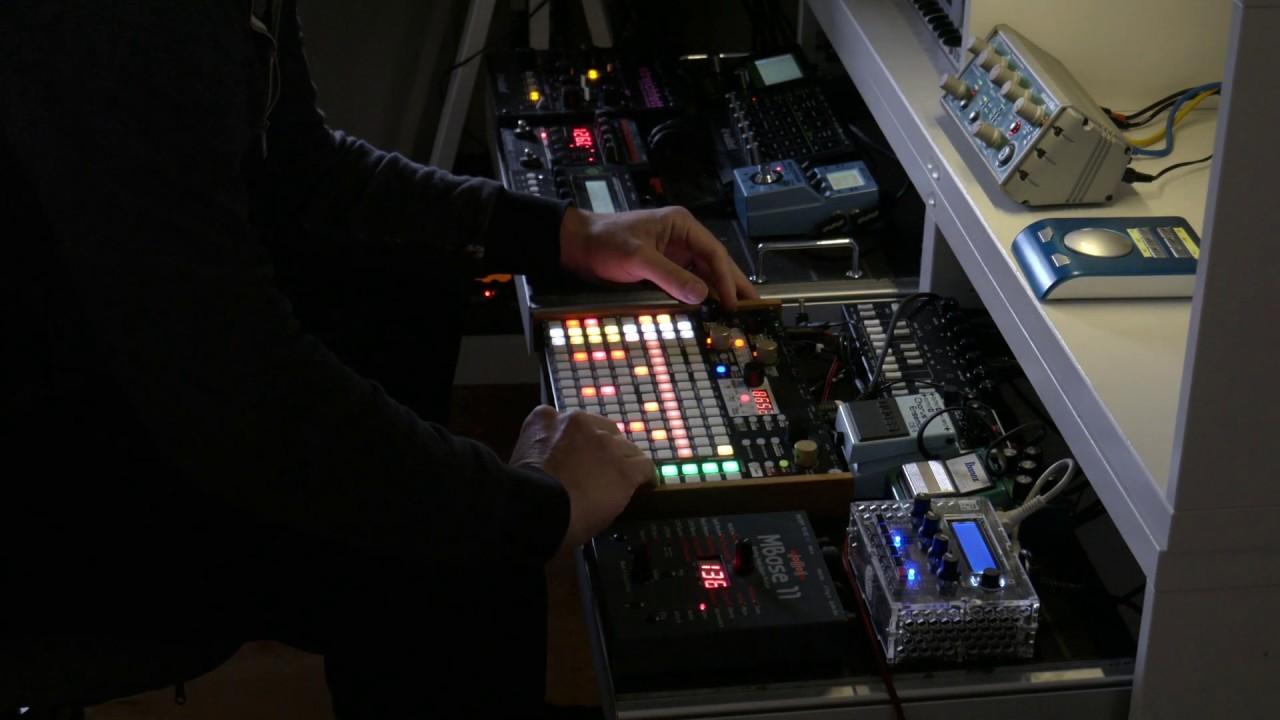 Deep House Hardware Jam – Synthstrom Deluge, MI Shruthi-1, Jomox Mbase11 Waldorf Pulse2, Streichfett