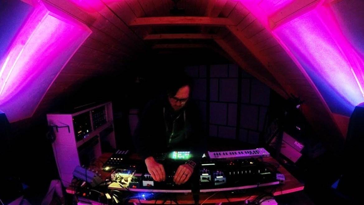 Deep Melodic House Live Set – 5 tracks 30 mins – Hardware Only