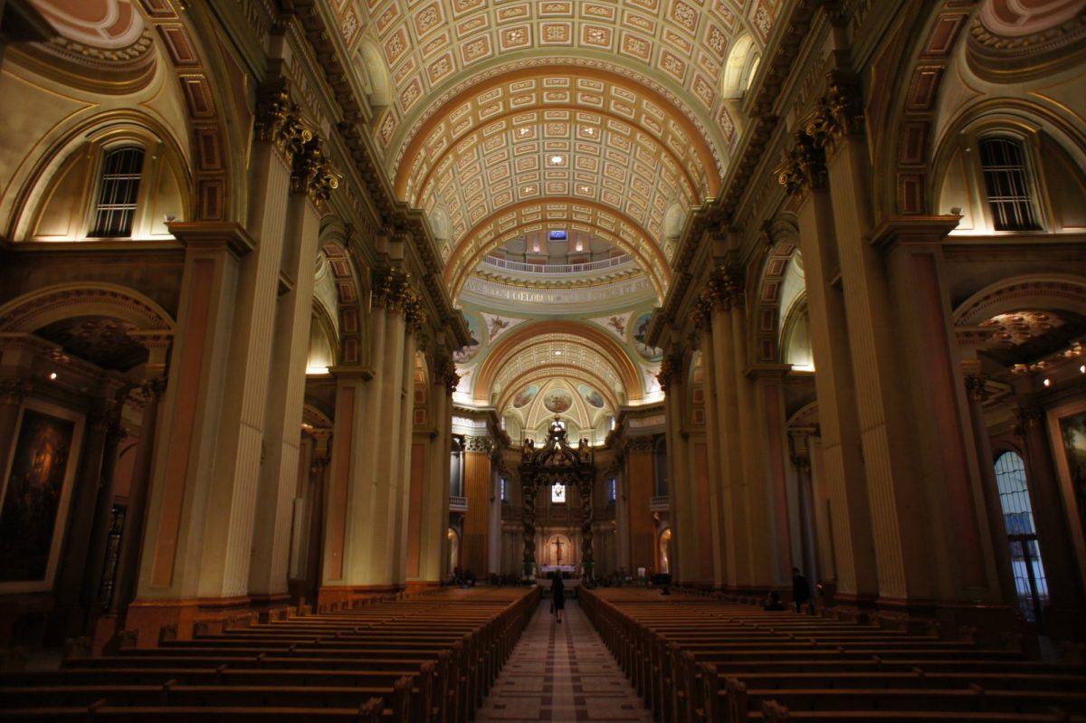 Interior of The Cathedral-Basilica of Mary, Queen of the World photo by bamyz (https://www.flickr.com/photos/75487768@N04/) via Flickr.com