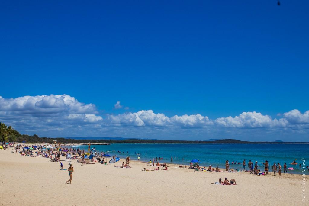 australia travel tips: Noosa Main Beach, Noosa National Park