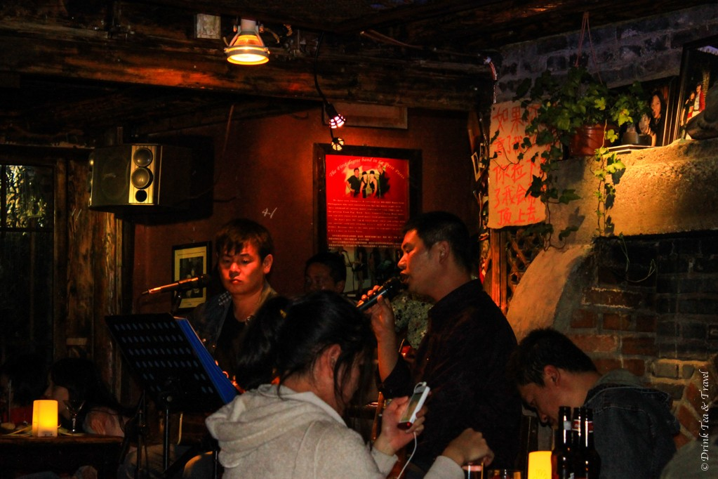Chinese karaoke is the favourite entertainment on bar street in Lijiang