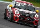 Mini Challenge Italia: Torelli a podio in una gara tutta di traverso