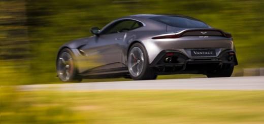 Aston Martin Vantage_Tungsten Silver_04 - 2.12. INTV