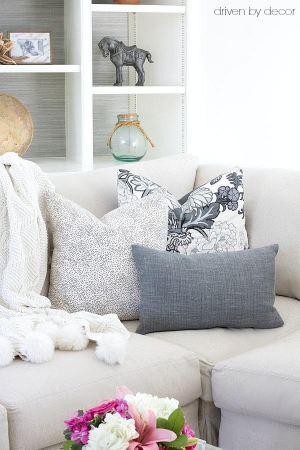 choose arrange throw pillows