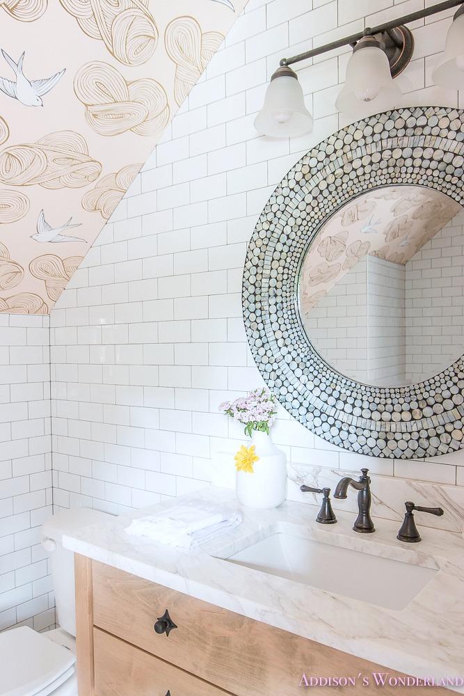 decorating a small bathroom ideas