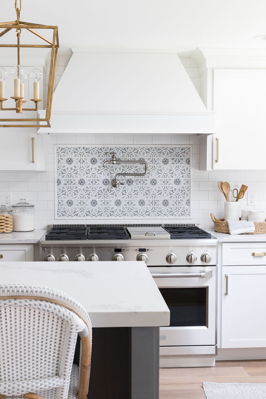 white subway tile with gray grout my