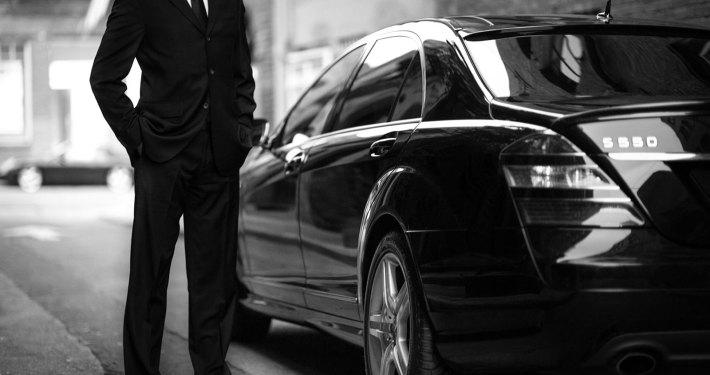 Chauffeur privé Bordeaux : services affaires