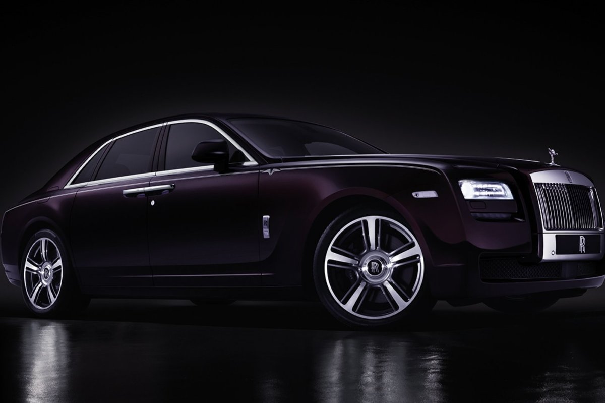 Rolls Royce Ghost V-specification paars blauw 2014 04