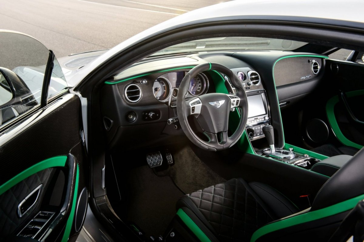 Bentley Continental GT3-R wit groen 2015 09