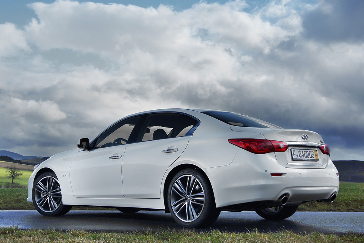 Inifniti Q50 wit 2.0 turbo 2014 02