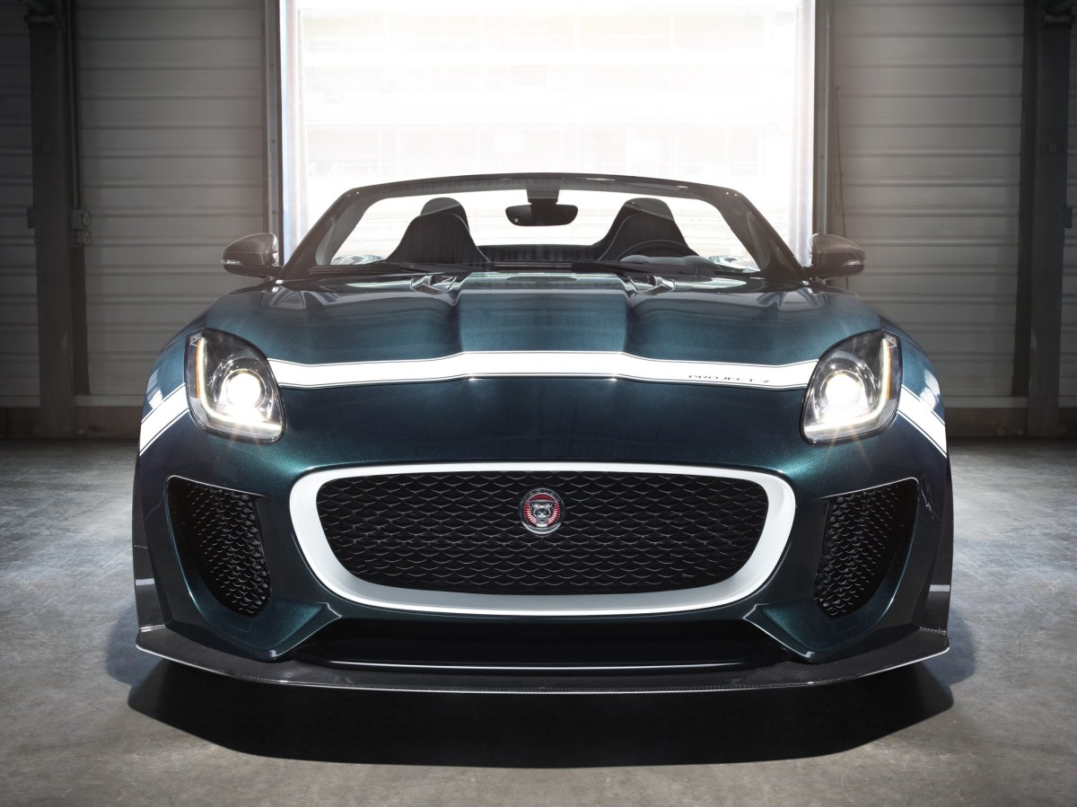 Jaguar F-Type Project 7 British Racing Green Le Mans 2015 03