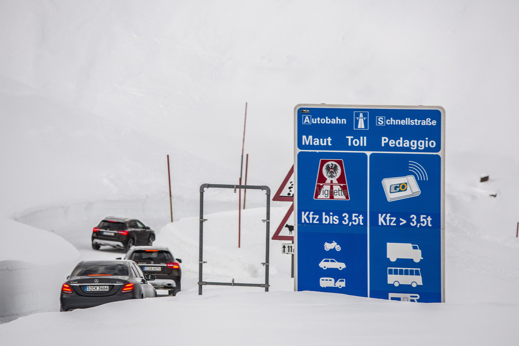 Mercedes 4-Matic wintersport sneeuw 03