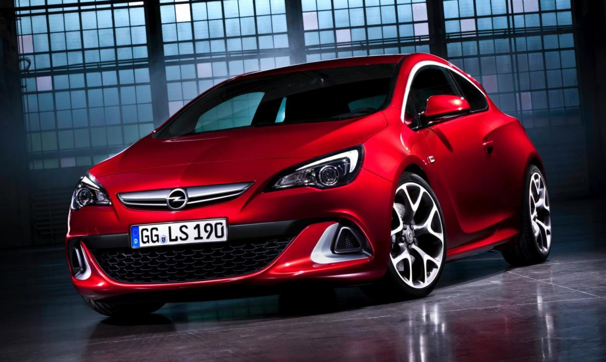 Opel Astra OPC Performance Center rood blauw 2014 01
