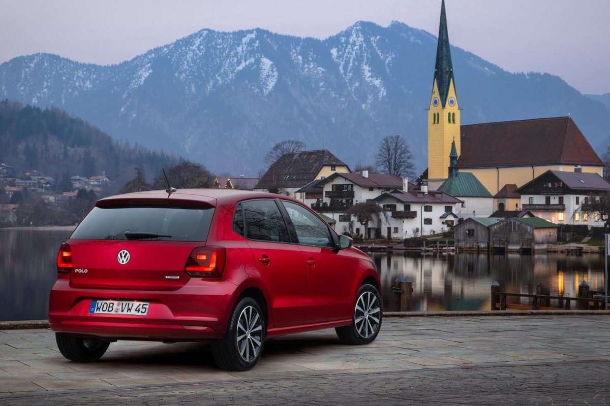Volkswagen Polo 1.0 TSI BlueMotion rood 2015 03