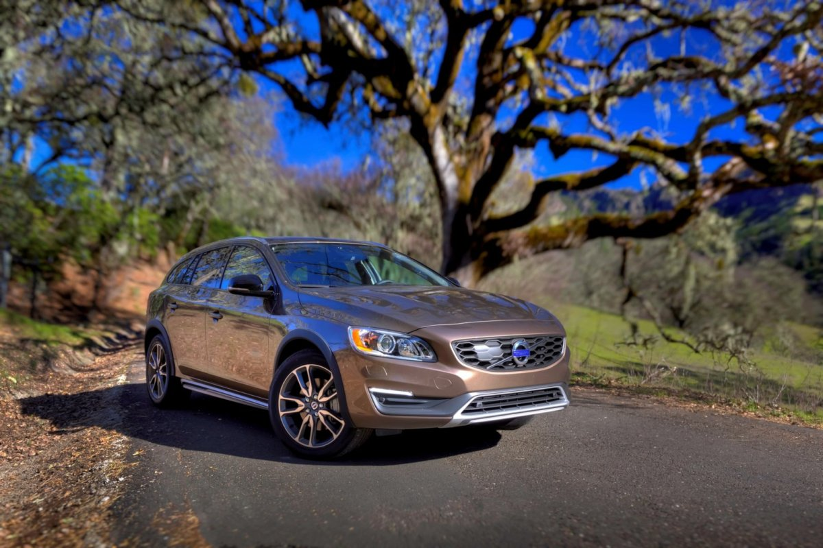 Volvo S60 V60 Cross Country 2016 AWD D3 D4 02