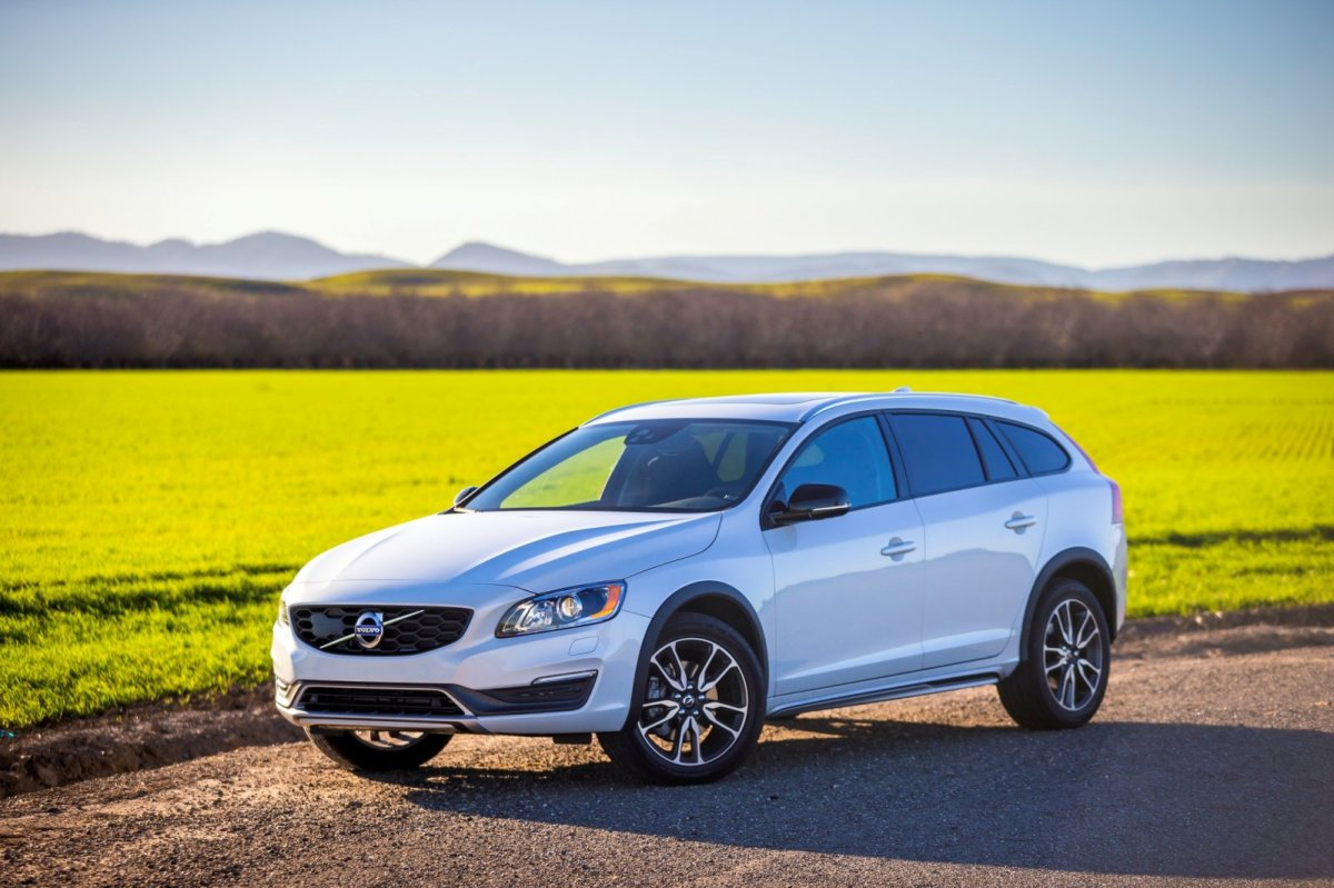 Volvo S60 V60 Cross Country 2016 AWD D3 D4 09