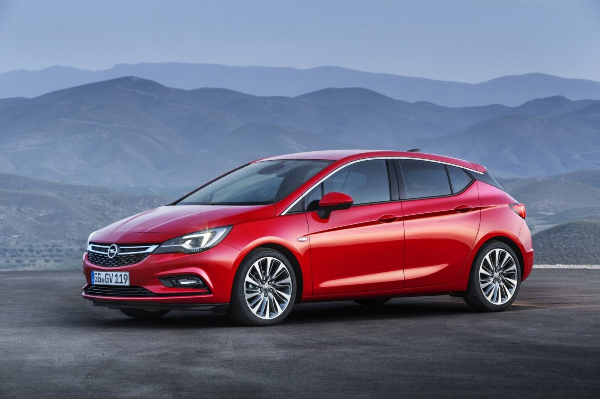 Opel Astra rood ecoFlex Cosmo 2016 04