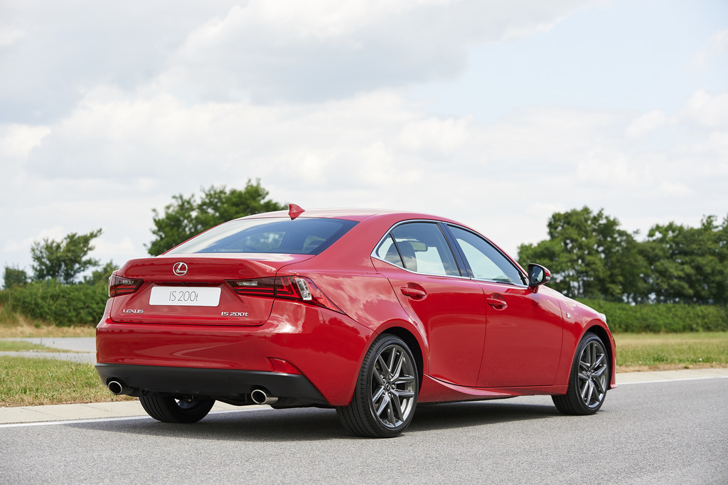 Lexus IS200T rood 2016 03