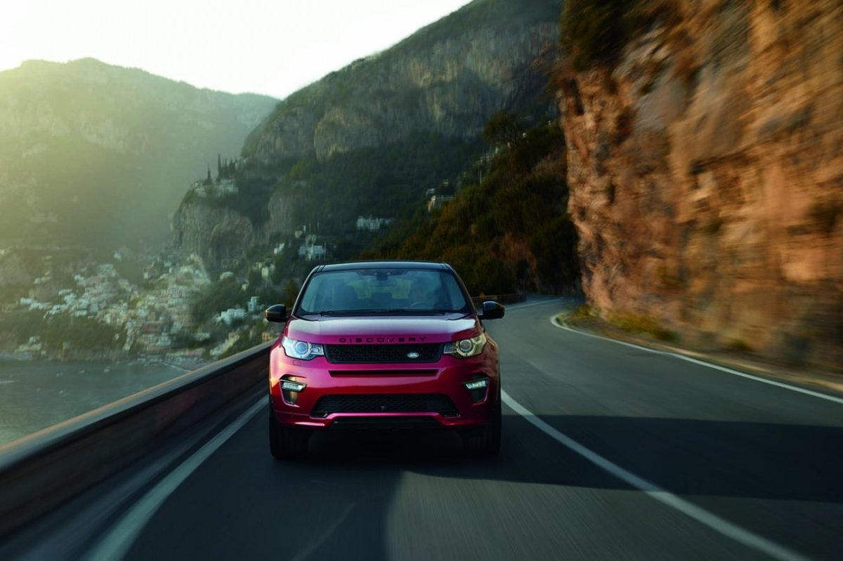 Land Rover Discovery Sport Dynamic rood 2016 03
