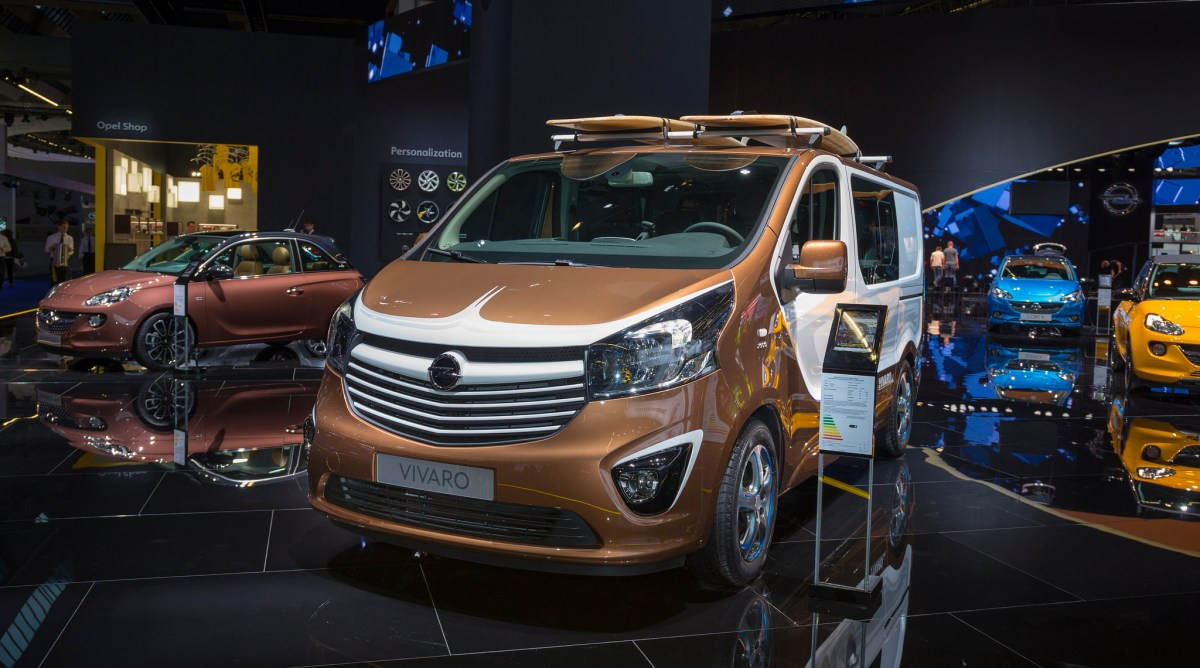 Opel Astra Vivaro Karl Adam Sports Tourer IAA 2015 12